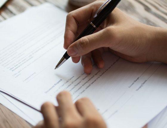 como fazer um contrato de prestação de serviços